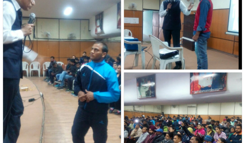 Dr Mohinder Kaushal (consultant in Arthroscopy,  Endoscopic Spine surgery  & Sports Injuries ) conducting an interactive session